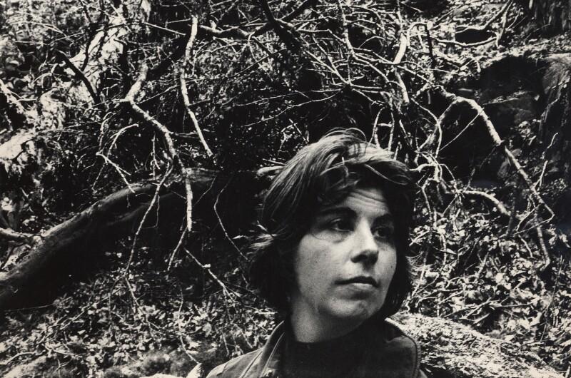(Patricia) Ann Jellicoe, by Roger Mayne, 1960 - NPG x4053 - © Roger Mayne / National Portrait Gallery, London