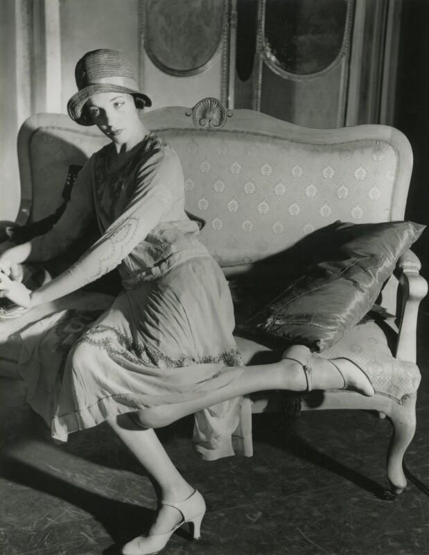 Julie Andrews, by Norman Parkinson, 1954 - NPG x125563 - © Norman Parkinson Archive
