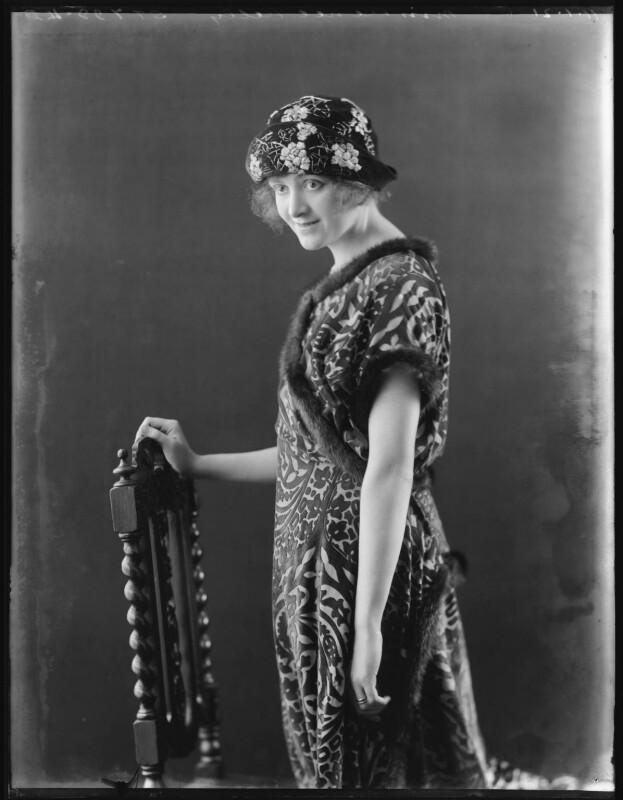 Renée Kelly, by Bassano Ltd, 11 January 1921 - NPG x101184 - © National Portrait Gallery, London