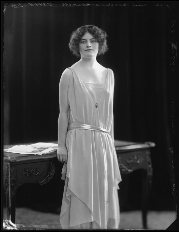 Lady (Mary) Diana Worthington (née Duncombe), by Bassano Ltd, 1 June 1922 - NPG x121615 - © National Portrait Gallery, London