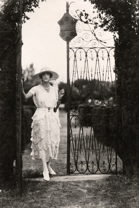 Sybil Rachel Betty (née Sassoon), Marchioness of Cholmondeley, by Cecil Beaton, late 1920s - NPG x40054 - © Cecil Beaton Studio Archive, Sotheby's London