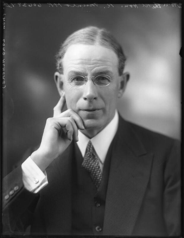 Robert Munro, 1st Baron Alness, by Bassano Ltd, 4 October 1922 - NPG x121925 - © National Portrait Gallery, London