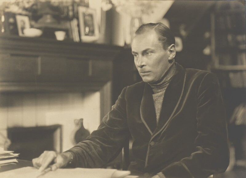 Robert Malise Bowyer Nichols, by Walter Benington, 1920s - NPG P979 - © National Portrait Gallery, London