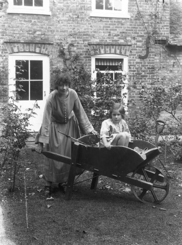 Athene Seyler with her daughter Jane Ann Jones (née Sterndale Bennett), by Bassano Ltd, 30 August 1922 - NPG x18810 - © National Portrait Gallery, London