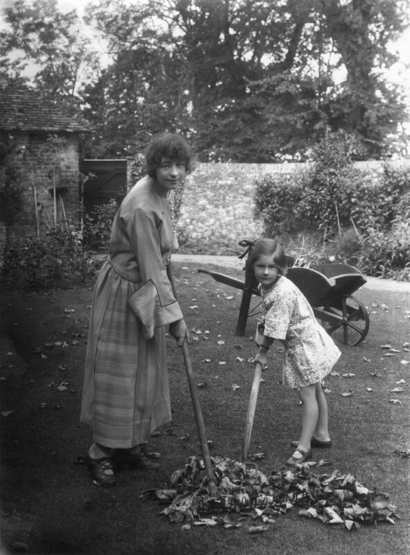 Athene Seyler with her daughter Jane Ann Jones (née Sterndale Bennett), by Bassano Ltd, 30 August 1922 - NPG x18812 - © National Portrait Gallery, London