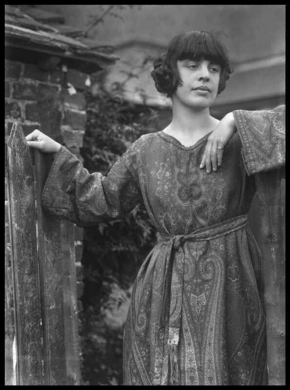 Margaret Nash (née Odeh), by Bassano Ltd, 30 August 1922 - NPG x18814 - © National Portrait Gallery, London
