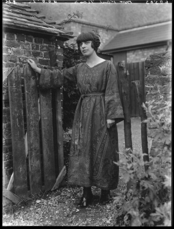 Margaret Nash (née Odeh), by Bassano Ltd, 30 August 1922 - NPG x18815 - © National Portrait Gallery, London