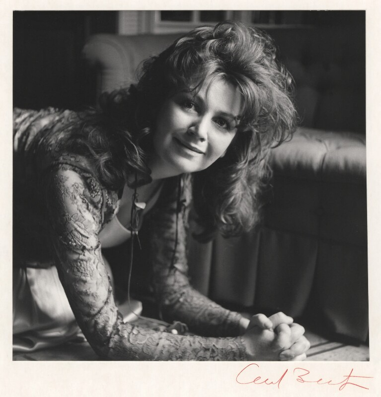 Edna O'Brien, by Cecil Beaton, 1971 - NPG x14169 - © Cecil Beaton Studio Archive, Sotheby's London