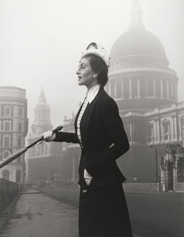 Carol Anderson, by Norman Parkinson, 1949 - NPG x30070 - © Norman Parkinson Archive