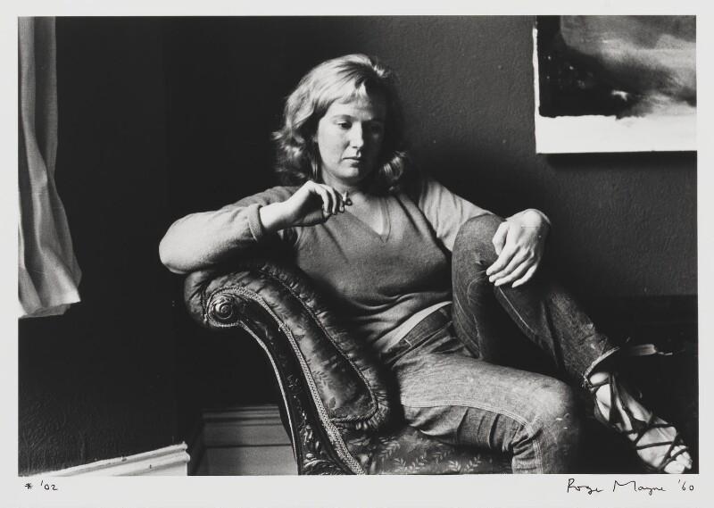Gillian Ayres, by Roger Mayne, 1960 - NPG P996 - © Roger Mayne / National Portrait Gallery, London