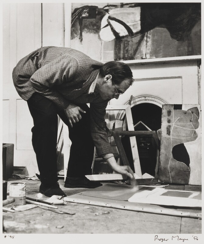 Roger Hilton, by Roger Mayne, 1956 - NPG P999 - © Roger Mayne / National Portrait Gallery, London