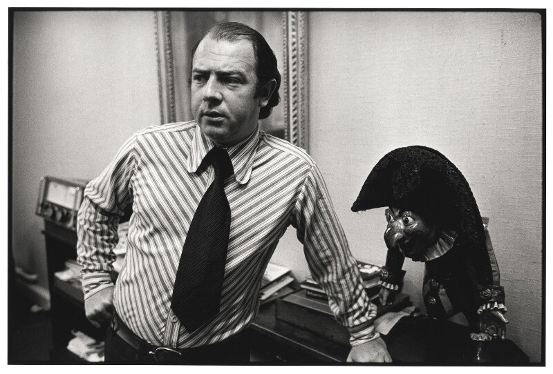 Alan Coren, by Geoff Howard, July 1973 - NPG x126102 - © Geoff Howard / National Portrait Gallery, London