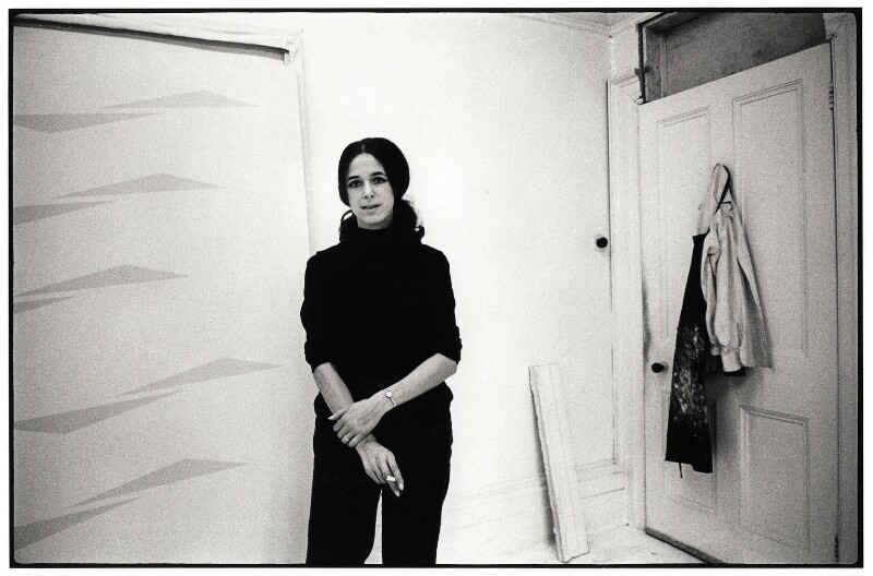 Tess Jaray, by Geoff Howard, January 1969 - NPG x126103 - © Geoff Howard / National Portrait Gallery, London