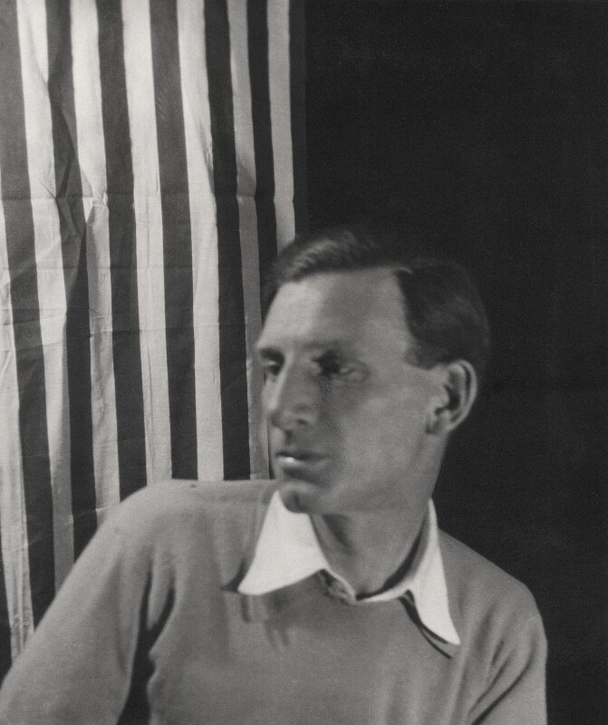 Siegfried Sassoon, by Cecil Beaton, 1920s - NPG x14199 - © Cecil Beaton Studio Archive, Sotheby's London