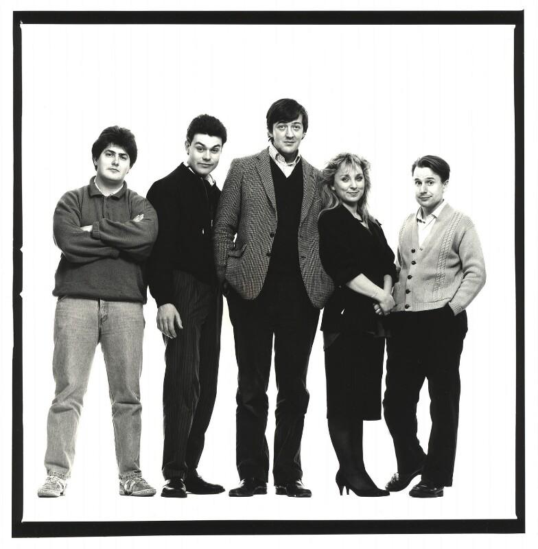 Young Comedians (Nick Hancock; Neil Mullarkey; Stephen Fry; Helen Lederer; Jeremy Hardy), by Trevor Leighton, 1987 - NPG x77061 - © Trevor Leighton / National Portrait Gallery, London