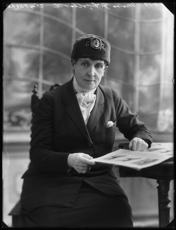 Gladys Ffolliott, by Bassano Ltd, 11 November 1919 - NPG x122983 - © National Portrait Gallery, London