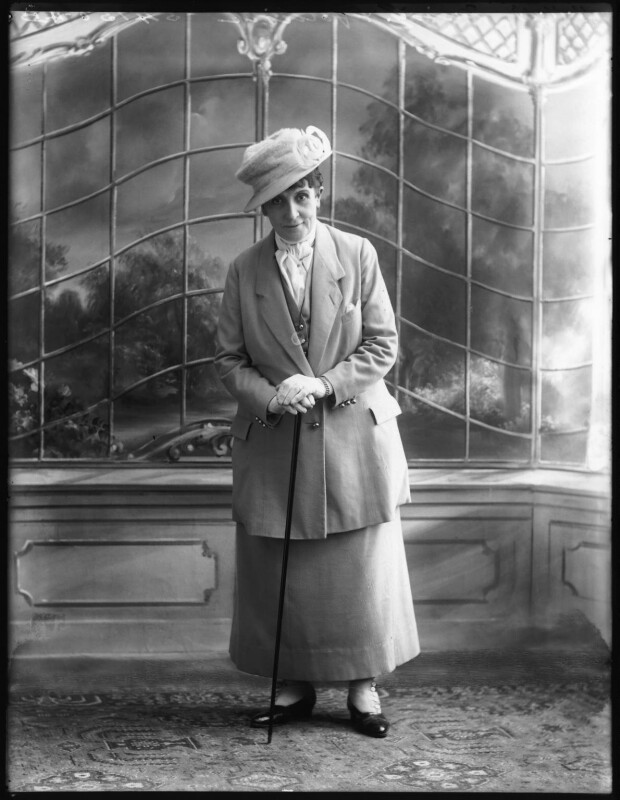 Gladys Ffolliott, by Bassano Ltd, 11 November 1919 - NPG x122985 - © National Portrait Gallery, London