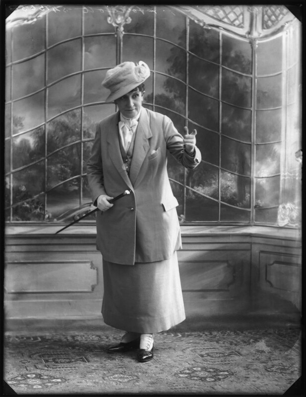 Gladys Ffolliott, by Bassano Ltd, 11 November 1919 - NPG x122986 - © National Portrait Gallery, London