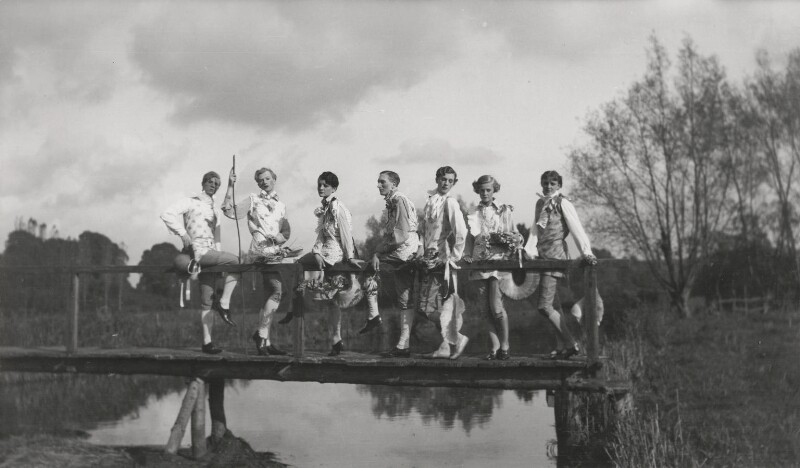 Cecil Beaton and his friends, by Cecil Beaton, October 1927 - NPG x40409 - © Cecil Beaton Studio Archive, Sotheby's London