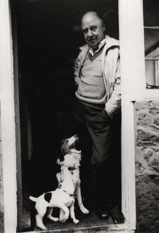 Bert Hardy, by David Joseph Marcou, 1981 - NPG x126230 - © David J. Marcou / National Portrait Gallery, London