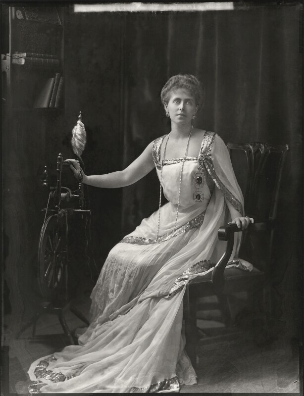 Marie, Queen of Romania, by Henry Walter ('H. Walter') Barnett, 1902 - NPG x81676 - © National Portrait Gallery, London