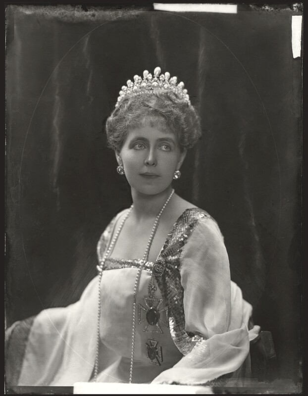 Marie, Queen of Romania, by Henry Walter ('H. Walter') Barnett, 1902 - NPG x81689 - © National Portrait Gallery, London