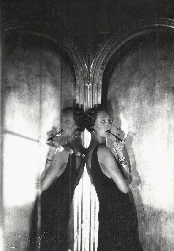 Gertrude Lawrence, by Cecil Beaton, 1930 - NPG x40248 - © Cecil Beaton Studio Archive, Sotheby's London