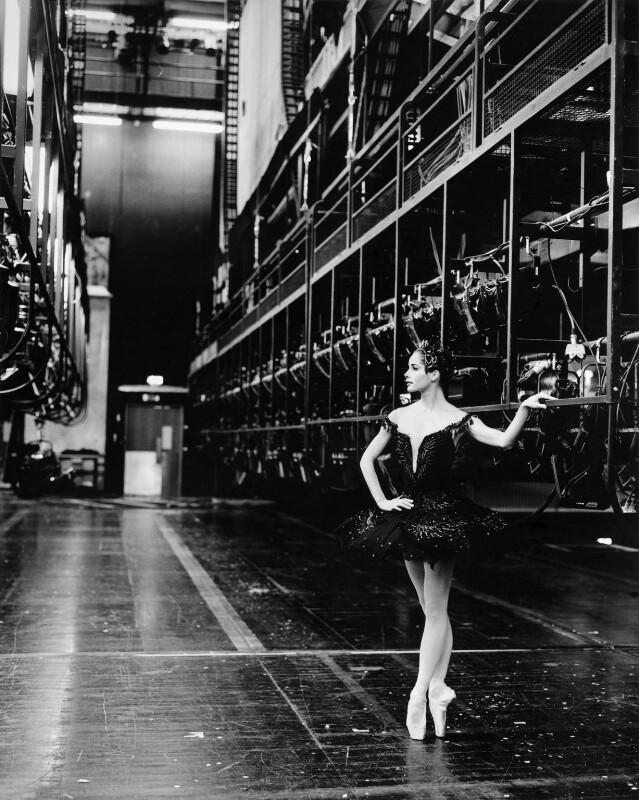 Darcey Bussell, by Mario Testino, 2000 - NPG P1011 - © Mario Testino