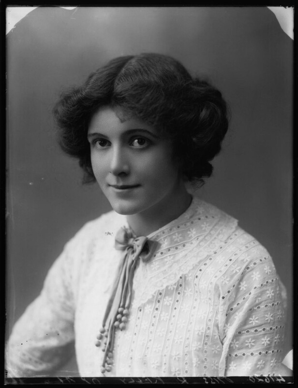 Renée Kelly, by Bassano Ltd, 2 August 1912 - NPG x101800 - © National Portrait Gallery, London