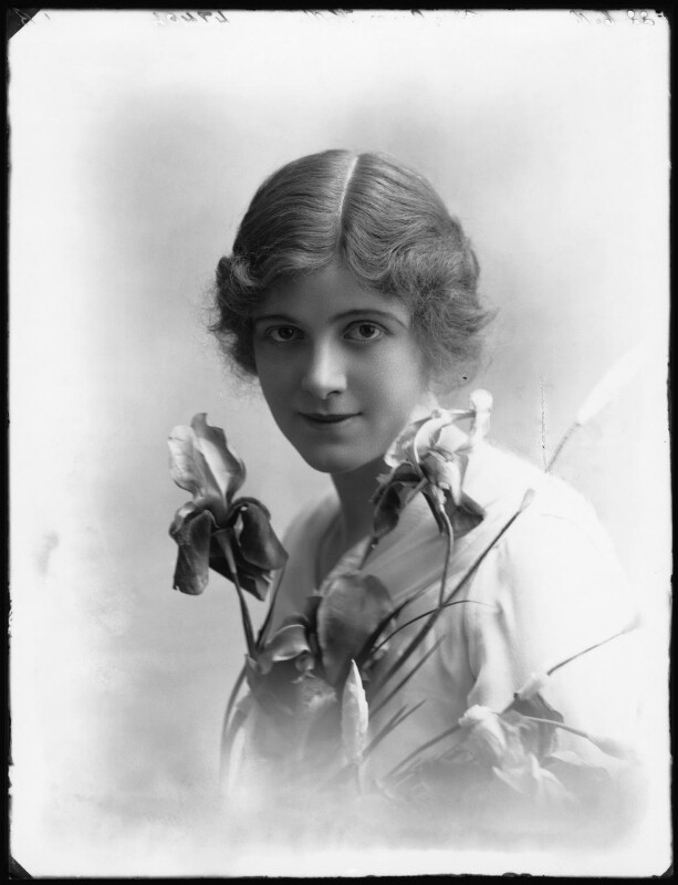 Renée Kelly, by Bassano Ltd, 22 June 1916 - NPG x32402 - © National Portrait Gallery, London