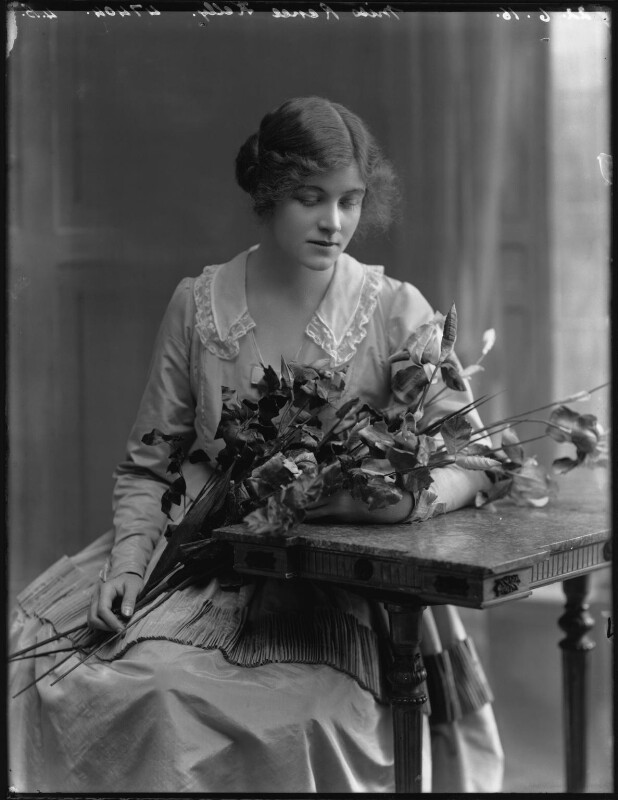 Renée Kelly, by Bassano Ltd, 22 June 1916 - NPG x32405 - © National Portrait Gallery, London