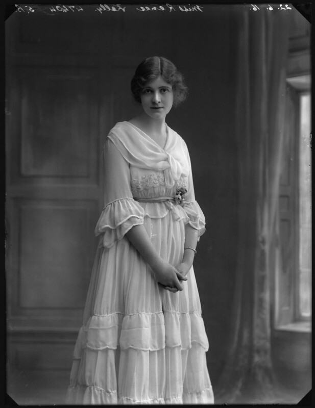 Renée Kelly, by Bassano Ltd, 22 June 1916 - NPG x32406 - © National Portrait Gallery, London