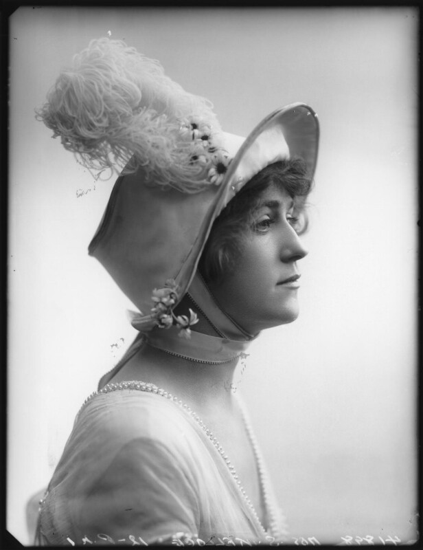 Shirley Kellogg (Mrs Albert de Courville), by Bassano Ltd, 1913 - NPG x101787 - © National Portrait Gallery, London