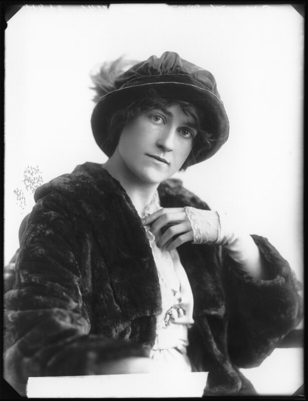 Shirley Kellogg (Mrs Albert de Courville), by Bassano Ltd, 1913 - NPG x101789 - © National Portrait Gallery, London