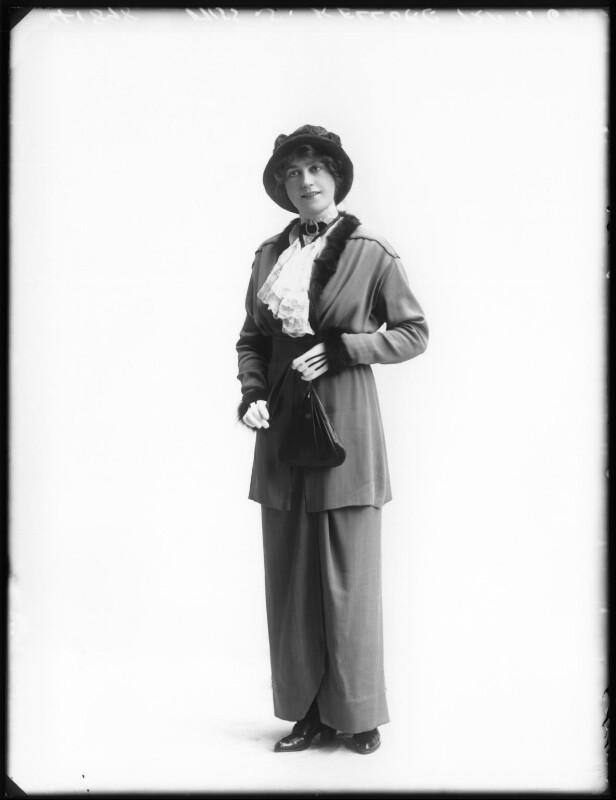 Shirley Kellogg (Mrs Albert de Courville), by Bassano Ltd, 1913 - NPG x101792 - © National Portrait Gallery, London
