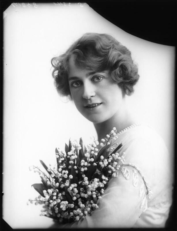 Shirley Kellogg (Mrs Albert de Courville), by Bassano Ltd, 1913 - NPG x101794 - © National Portrait Gallery, London