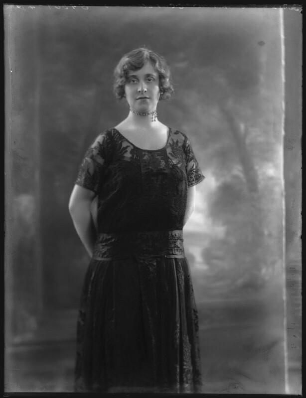 Lilah Assanti (née O'Brien), by Bassano Ltd, 30 January 1922 - NPG x37374 - © National Portrait Gallery, London