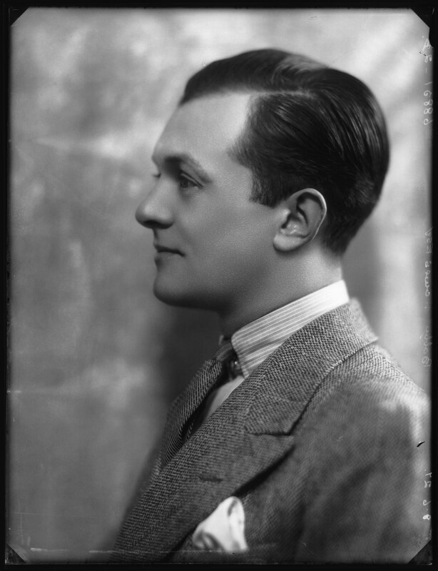 Bobby Howes (Robert William Howes), by Bassano Ltd, 8 June 1927 - NPG x123933 - © National Portrait Gallery, London