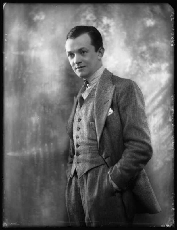 Bobby Howes (Robert William Howes), by Bassano Ltd, 8 June 1927 - NPG x123934 - © National Portrait Gallery, London