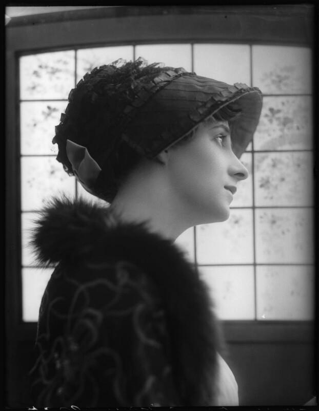 Valli Valli (née Valli Knust), by Bassano Ltd, 8 May 1912 - NPG x101938 - © National Portrait Gallery, London