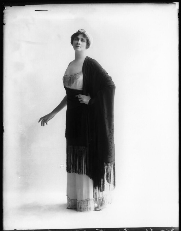 Valli Valli (née Valli Knust), by Bassano Ltd, 8 May 1912 - NPG x101942 - © National Portrait Gallery, London