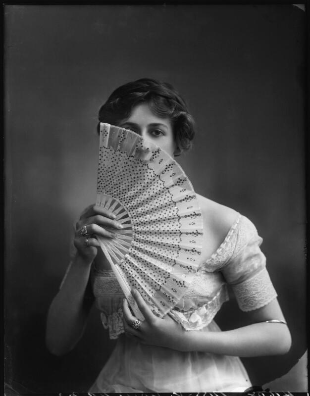 Valli Valli (née Valli Knust), by Bassano Ltd, 30 July 1912 - NPG x101945 - © National Portrait Gallery, London