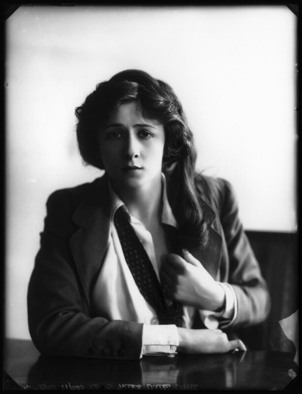 Valli Valli (née Valli Knust), by Bassano Ltd, 19 April 1911 - NPG x101927 - © National Portrait Gallery, London