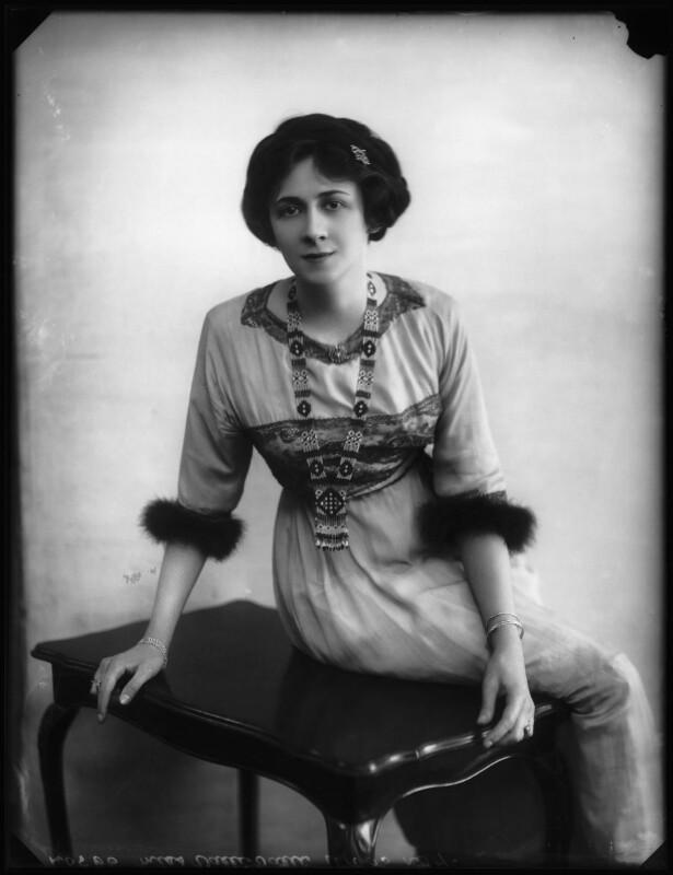 Valli Valli (née Valli Knust), by Bassano Ltd, 19 April 1911 - NPG x101931 - © National Portrait Gallery, London