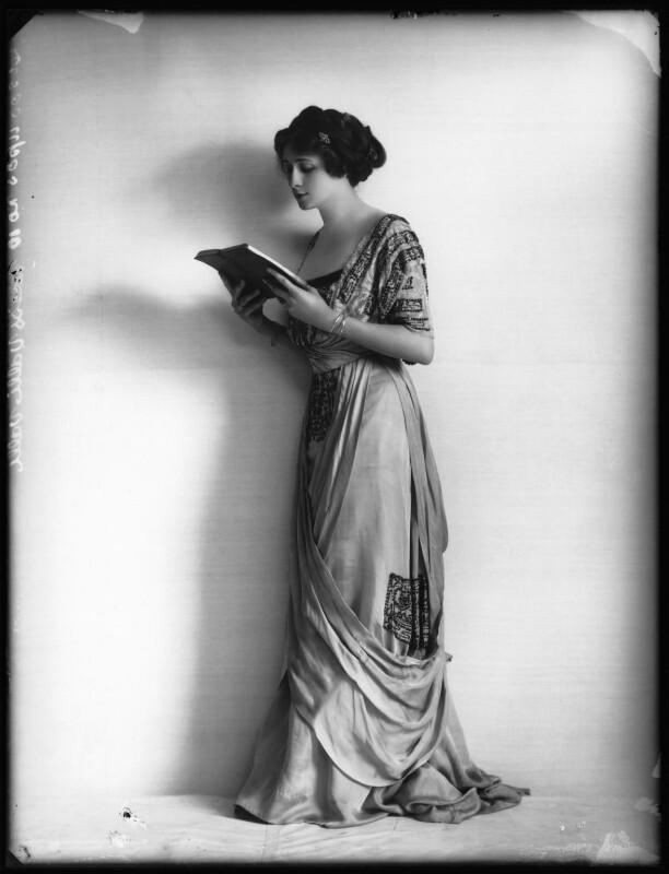 Valli Valli (née Valli Knust), by Bassano Ltd, 19 April 1911 - NPG x101934 - © National Portrait Gallery, London