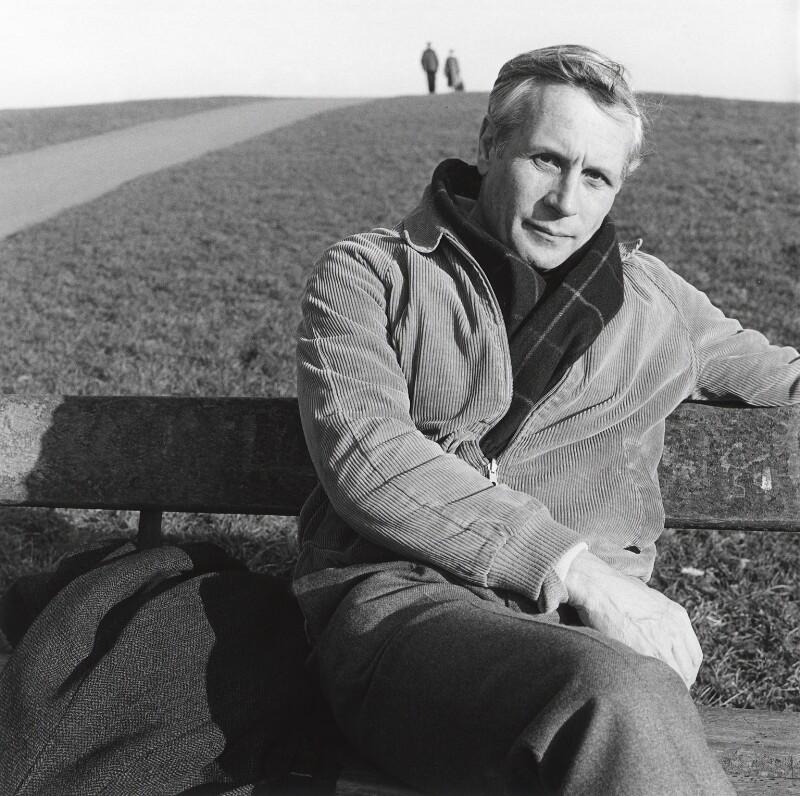David Malcolm Storey, by Stephen Hyde, 9 February 1984 - NPG x24945 - © Stephen Hyde / National Portrait Gallery, London