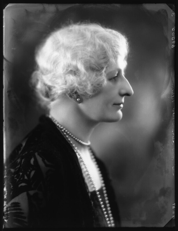 Hon. Elaine Augusta Villiers (née Guest, later Hon. Mrs Hunter), by Bassano Ltd, 18 November 1927 - NPG x124111 - © National Portrait Gallery, London