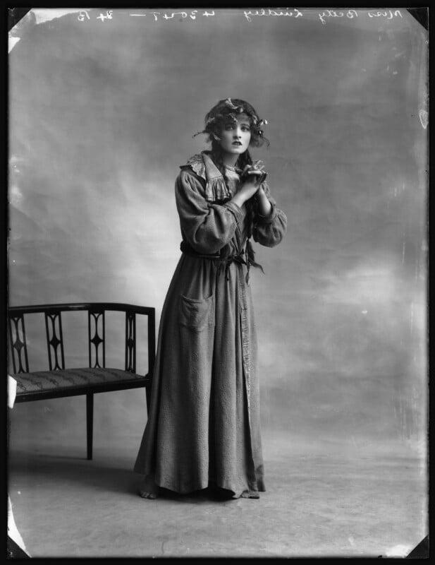 Betty Linley, by Bassano Ltd, 1914 - NPG x102879 - © National Portrait Gallery, London