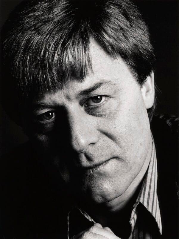Martin Jarvis, by Trevor Leighton, 1986 - NPG x29708 - © Trevor Leighton / National Portrait Gallery, London