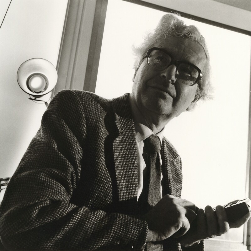 Antony Hewish, by Liam Woon, 9 May 1985 - NPG x25124 - © Liam Woon / National Portrait Gallery, London